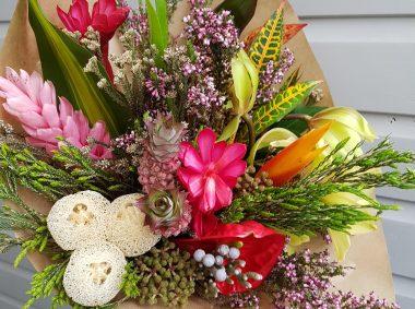 folaige safari bunch of flowers £40